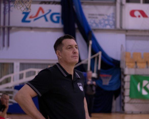 Trener Roman Zarabec.